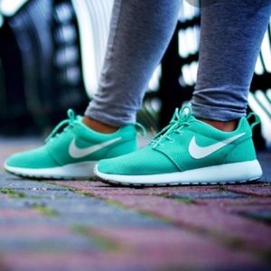 nike Roshe run cammello